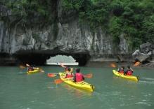 Kayaking on the Halong bay