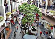 Shopping spot in Ha Long Cheap