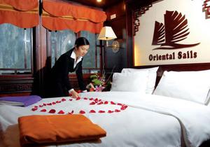Du thuyền Oriental Sails
