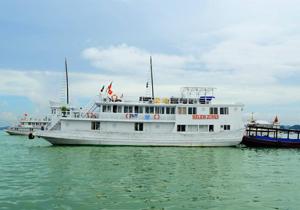 Du thuyền Helios Hạ Long