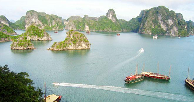 khung cảnh trên vịnh Hạ Long