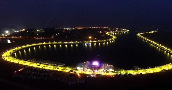 cảng tàu du lịch Tuần Châu vào đêm